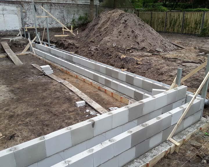 Nieuwe fundering aanbouw Borneolaan